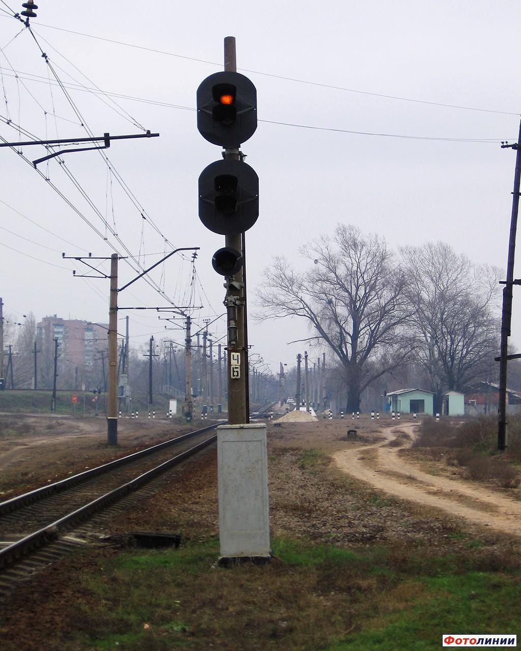 железнодорожный светофор цвет сколько фото городе имеются буддистские