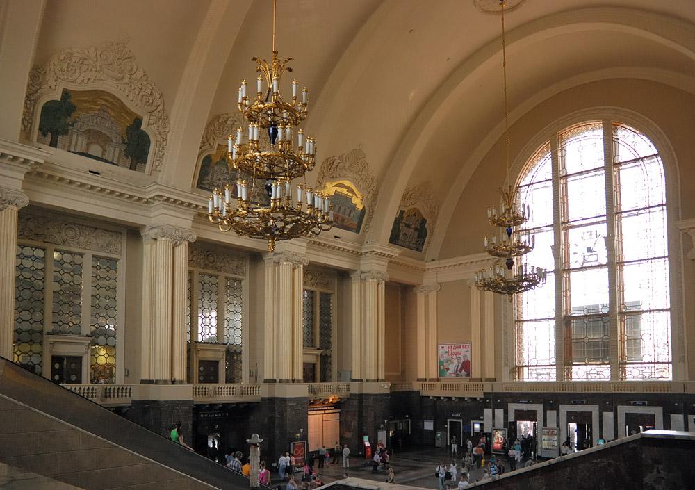 В 2009 году вокзал в дарнице был открыт после масштабной реконструкции